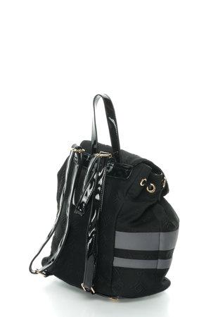Ca fata, ce alegi pentru prima zi de scoala: rucsac, geanta sau mapa?