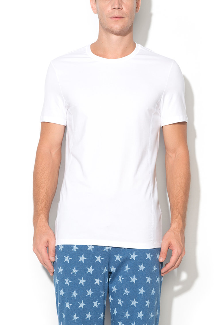 Tricou alb cu decolteu la baza gatului Per4mance de la Skiny