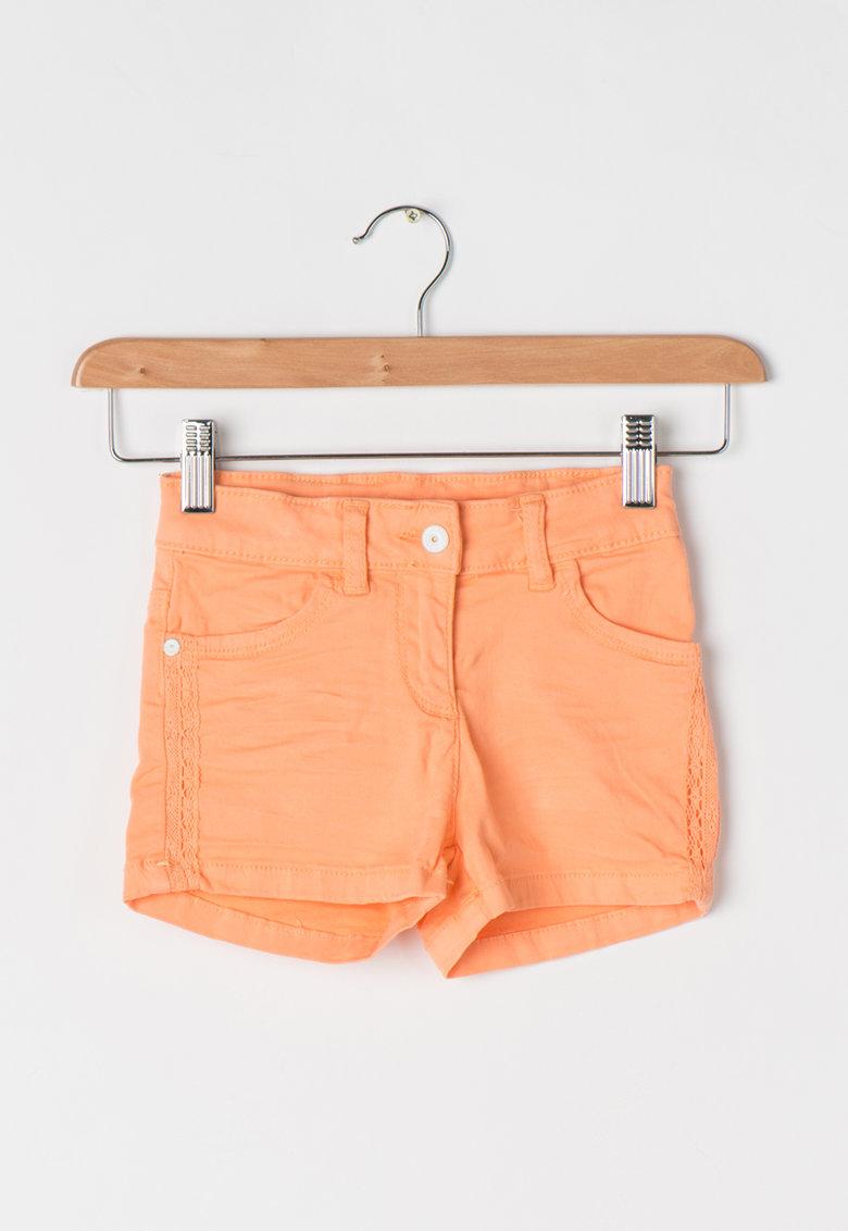 Pantaloni scurti elastici roz somon din denim
