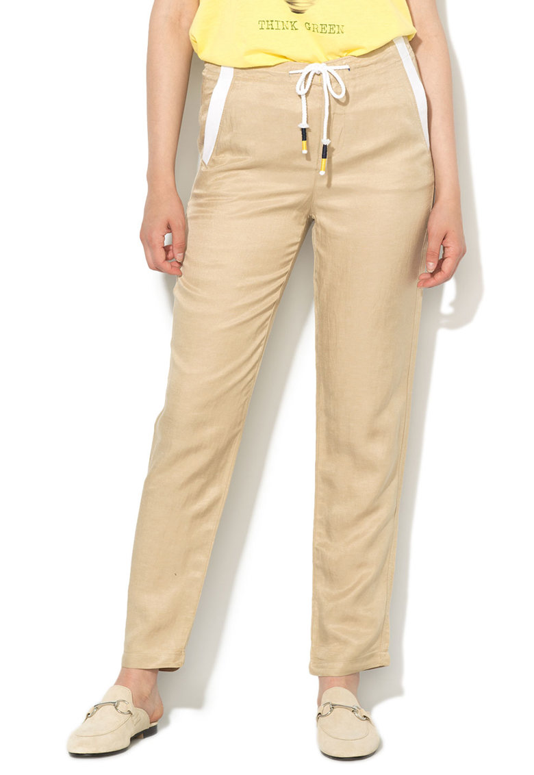 Pantaloni maro nisip cu garnituri albe si snur de la United Colors of Benetton