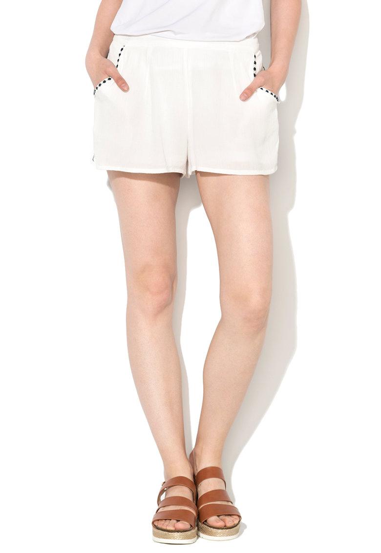 Pantaloni scurti albi cu detalii brodate Fame