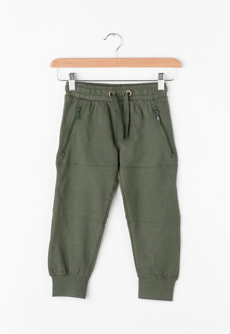 Pantaloni sport cu buzunare cu fermoar de la Zee Lane Kids – PA-I-1796-COTONE-VERDONE