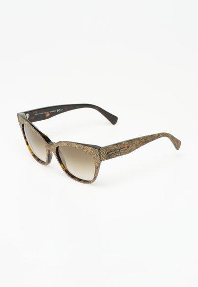 Ochelari de soare aurii cu model in relief de la Alexander McQueen