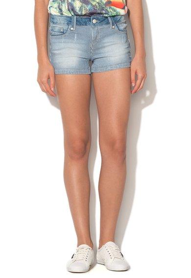 FashionDays.ro: Pantaloni scurti bleu cu alb din denim Alcott