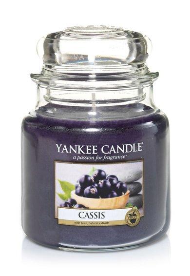 Lumanare parfumata in borcan mediu Cassis de la Yankee Candle