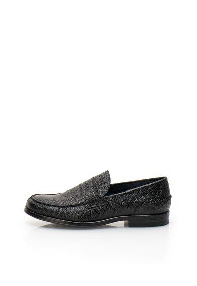 Pantofi loafer negri de piele cu textura granulata de la Zee Lane