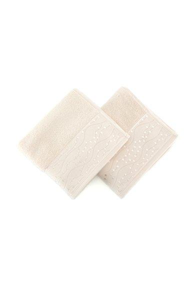 Set de prosoape de maini bej cu buline brodate – 2 piese de la Leunelle