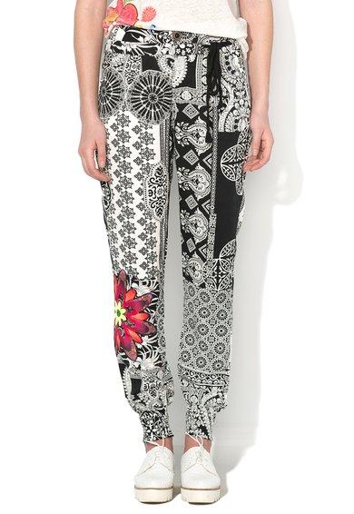 Pantaloni jogger negru cu alb si mandala Olass de la Desigual