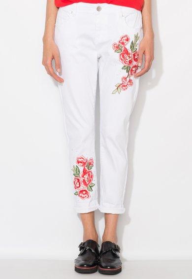 Jeansi crop albi cu broderii florale de la Zee Lane Denim