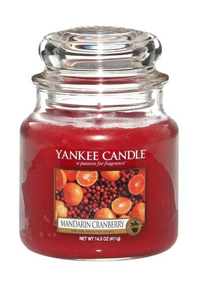 FashionDays.ro: Lumanare parfumata medie in borcan Mandarin Cranberry Yankee Candle